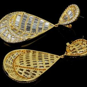 Party earings gold plated with zirc..